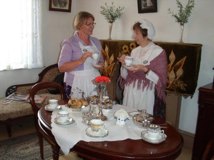 tea-in-parlour-2